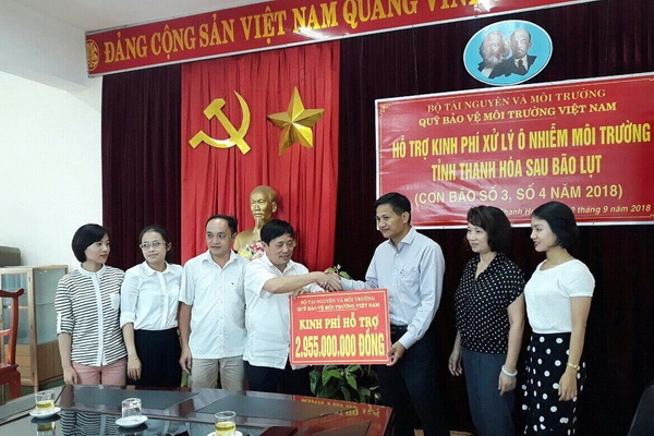 Bộ TN&MT hỗ trợ hai tỉnh Thanh Hóa và Nghệ An khắc phục, xử lý ô nhiễm môi trường do bão lũ gây ra