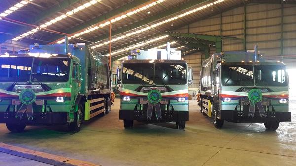 VWS tặng 6 xe vận chuyển rác công nghệ Hoa Kỳ cho TPHCM, tỉnh Long An và Kiên Giang
