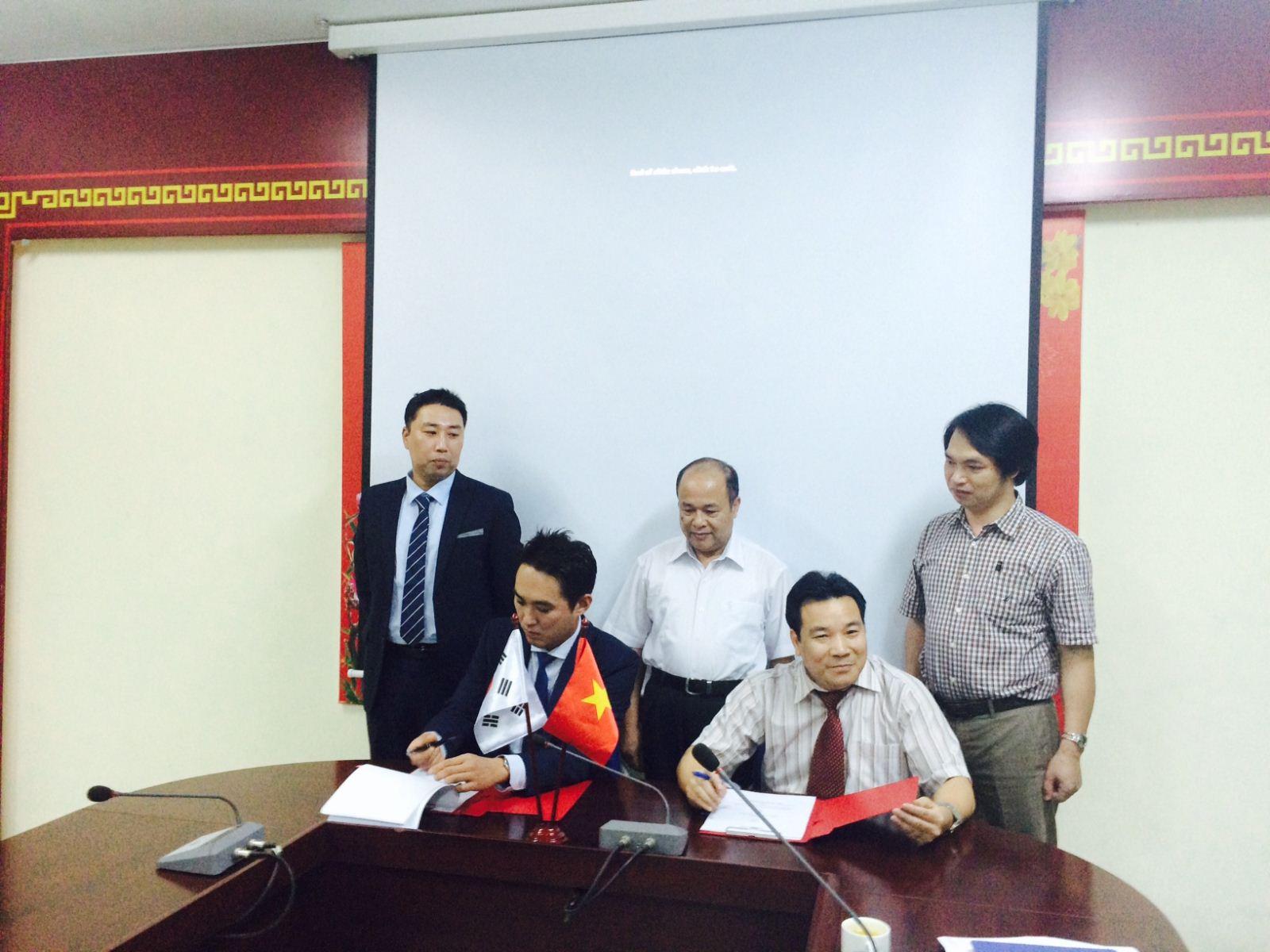 Lễ ký kết Biên bản ghi nhớ giữa CECT và Công ty NIVUS Hàn Quốc
